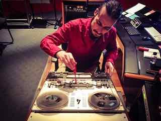 Crystal mastering, CD mastering, vinyl mastering, on-line mastering, Melbourne, Australia, Audio digitising